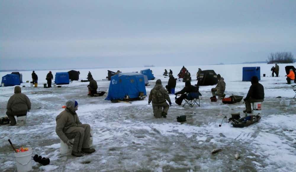 Ohio ice fishing flourishes at grand lake st marys for Ohio dnr fishing