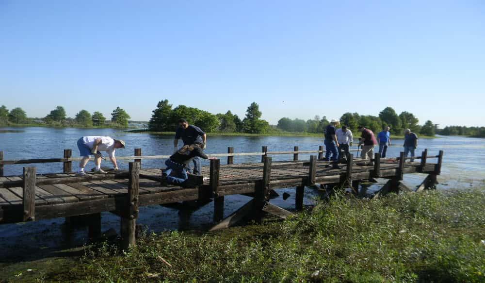 Union sportsmen s alliance volunteers team up to refurbish for Sheldon lake fishing