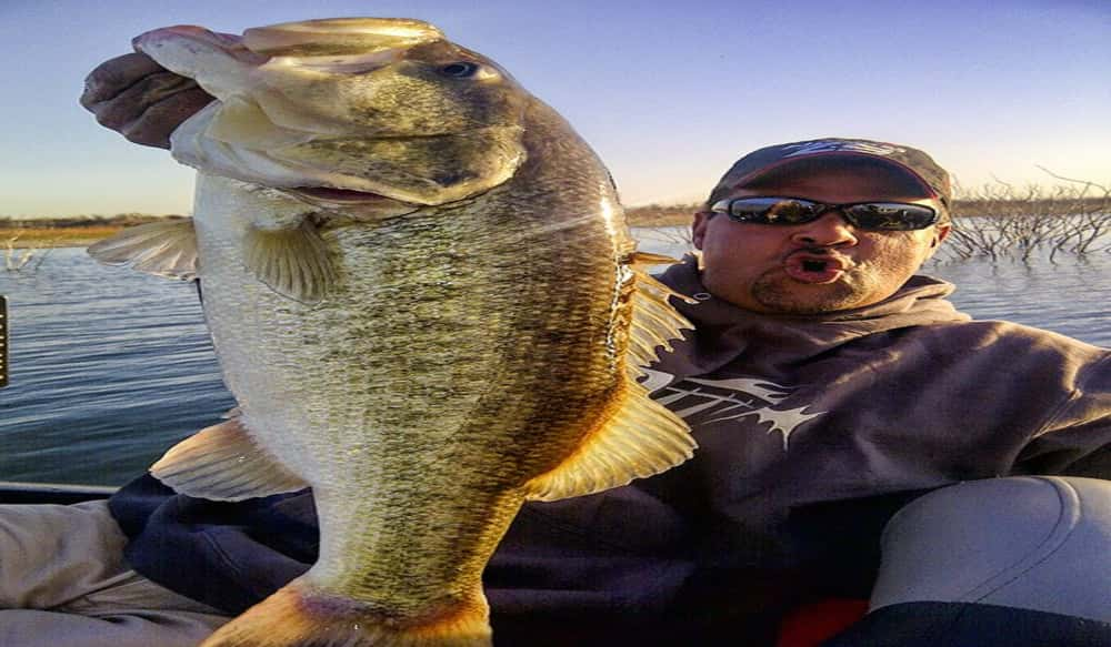 Mark zona featured this week on bass pro shops outdoor for Zona s awesome fishing show
