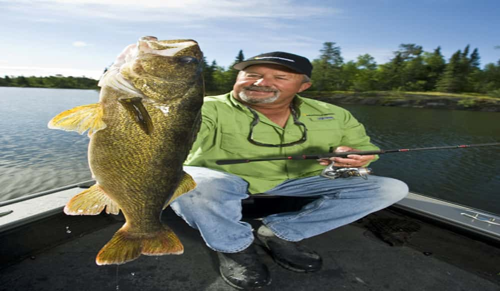 Humminbird pro tom neustrom inducted into minnesota for Outdoor news mn fishing report