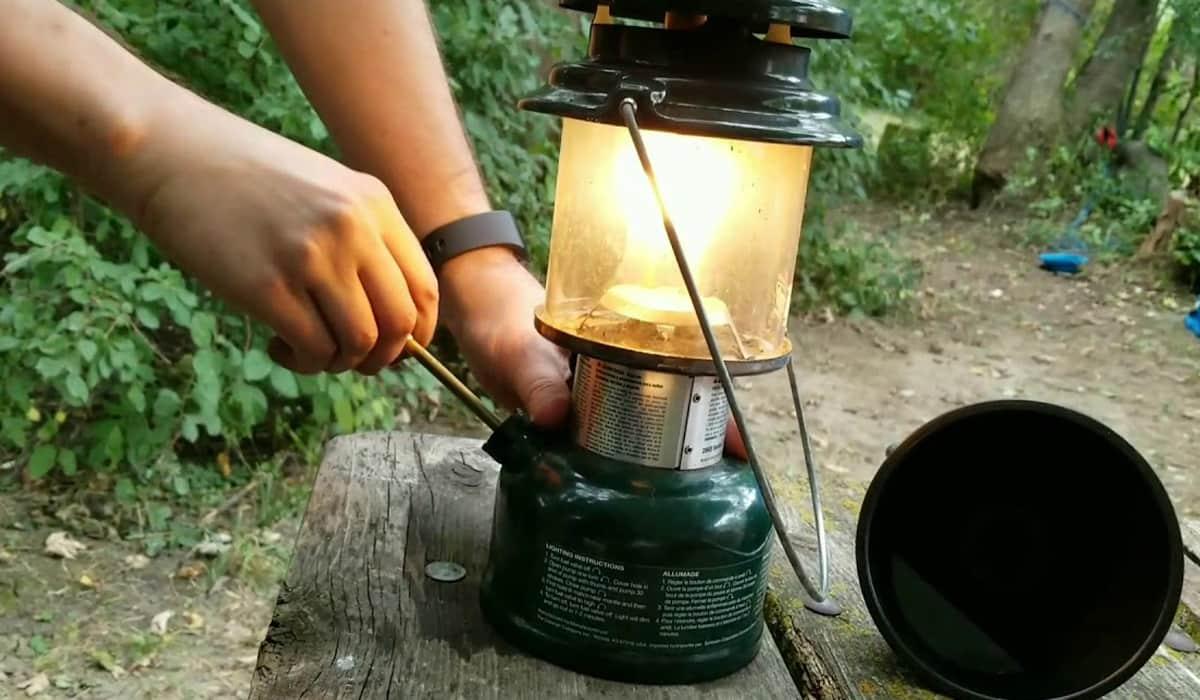 Coleman Deluxe Propane Gas Lantern - Classic Pick